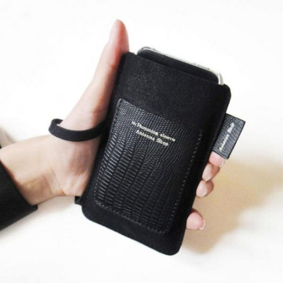 iPhone 4/ 4S/ iPod/ iTouch Sleeve with Card Slot